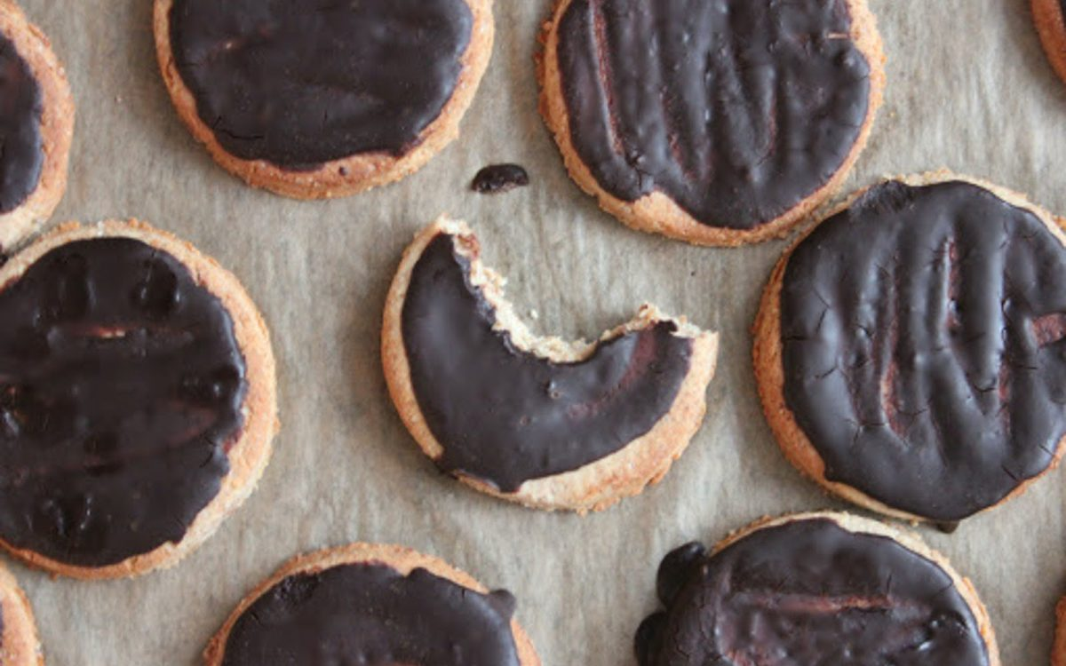 Vegan Milk Chocolate Digestive Biscuits