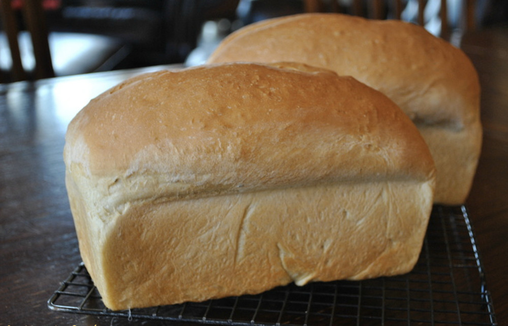 How to Make Homemade Country White Bread