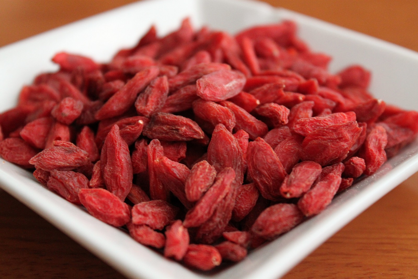 5 Reasons You Should Eat Goji Berries Every Day One Green Planet