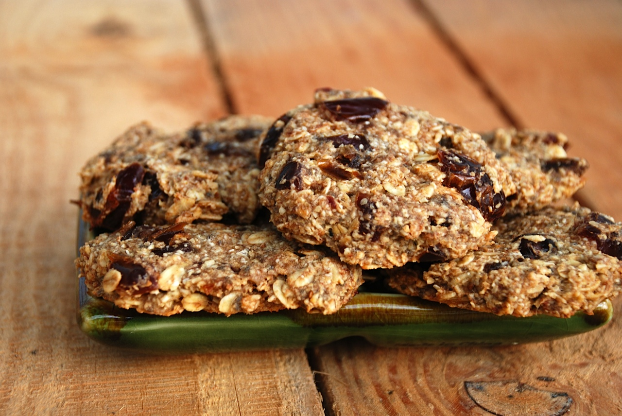 It's Homemade Cookies Day! Try These Yummy Vegan Cookies by Mayim Bialik and Other Superstar Bakers