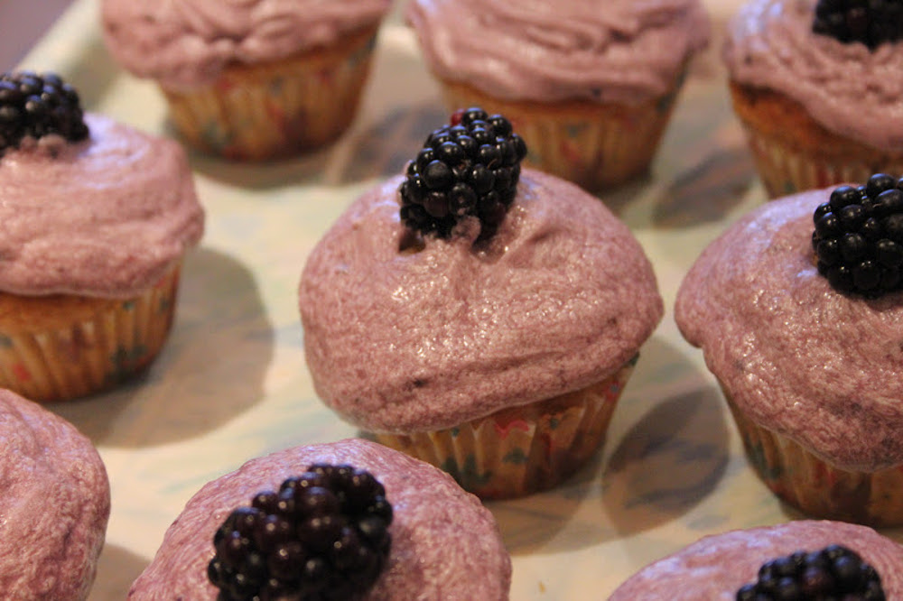 Vanilla Blackberry Cupcakes