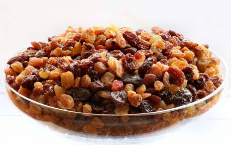 How to Make a Healthy Raisin Trail Mix