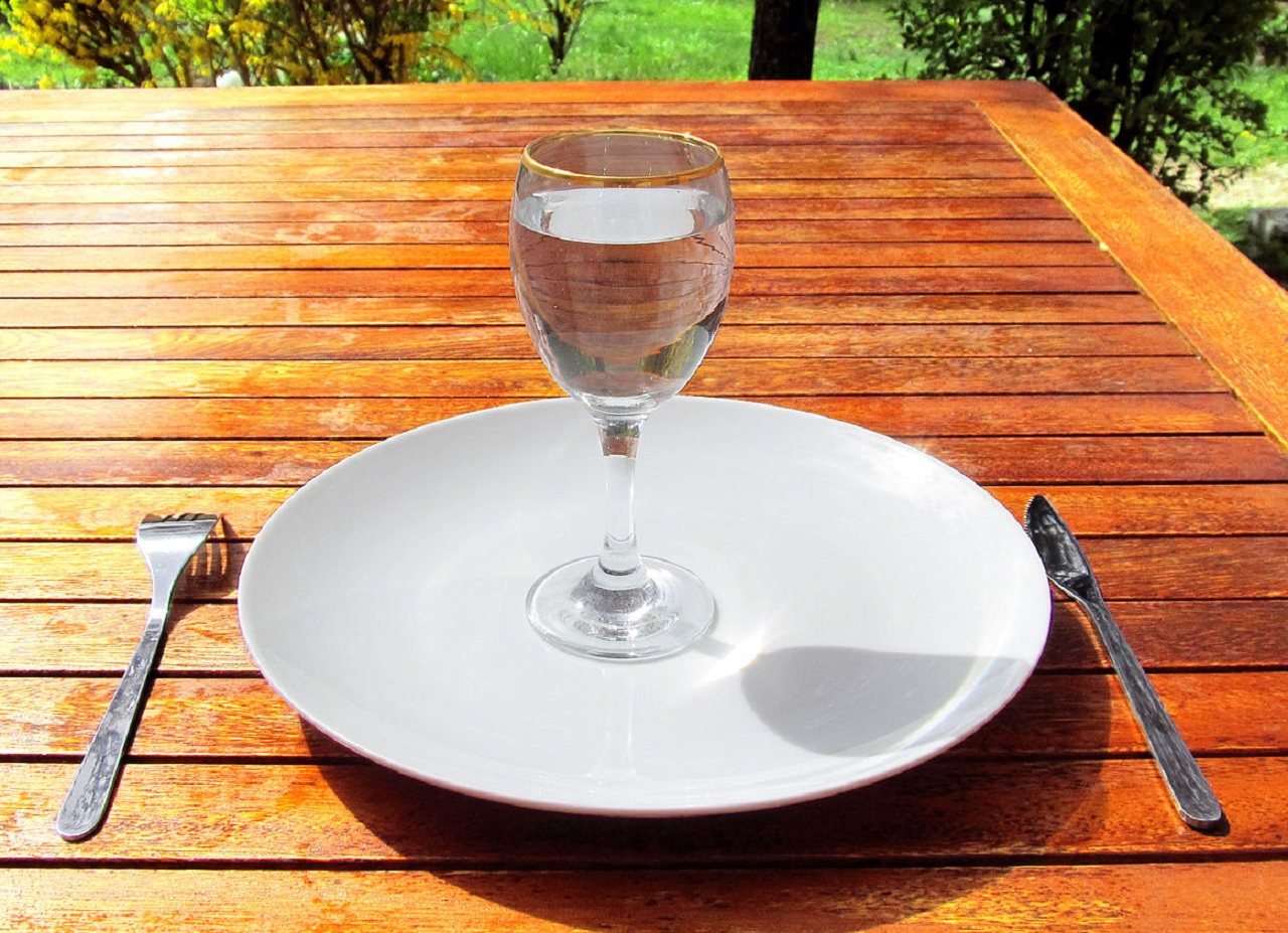 The Ultimate Cleanse? The Pros and Cons of Fasting, Plus a How-To Guide