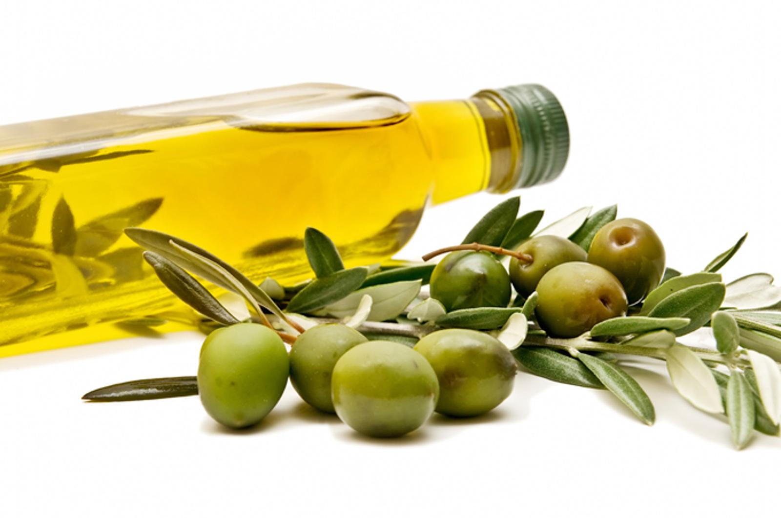 Essentials for a Mediterranean Themed Dinner