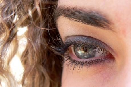 DIY Eye Shadow Using Natural and Simple Ingredients