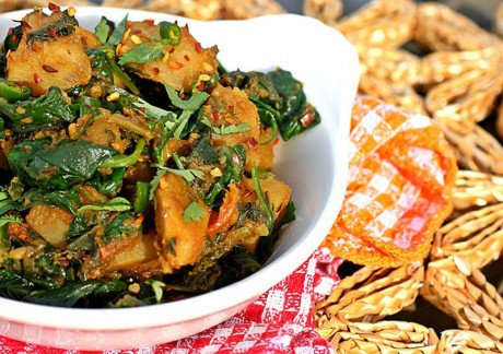 10 Flavorful Ways to Saute Spinach