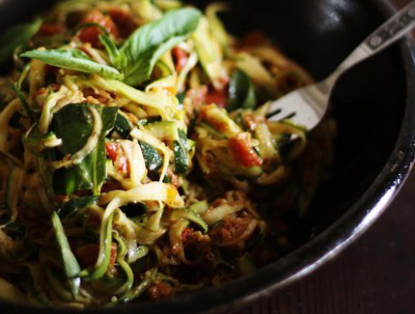 Zucchini Spaghetti With Sun-Dried Tomatoes & Basil