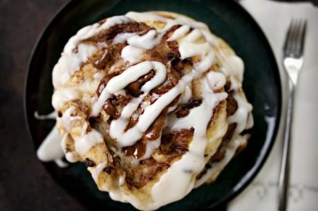 Coconutty Cinnamon Roll Pancakes [Vegan]