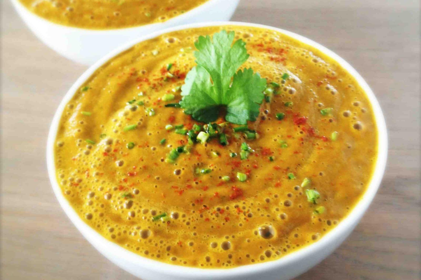 Warming Carrot Ginger Soup [Vegan, Raw]