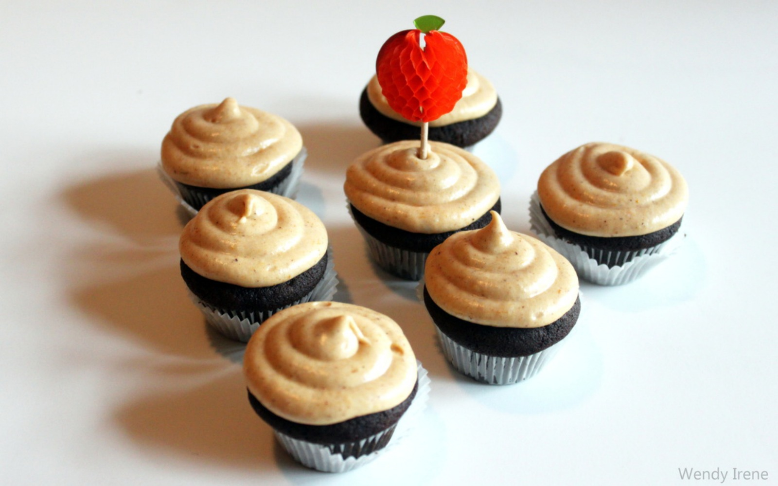 Chocolate Cupcakes with Pumpkin Coconut Frosting [Vegan]