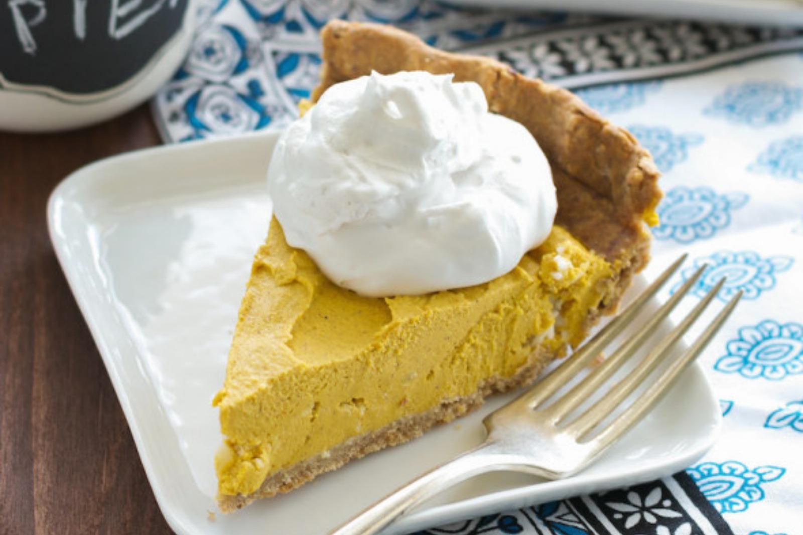 Vegan creamy pumpkin coconut pie