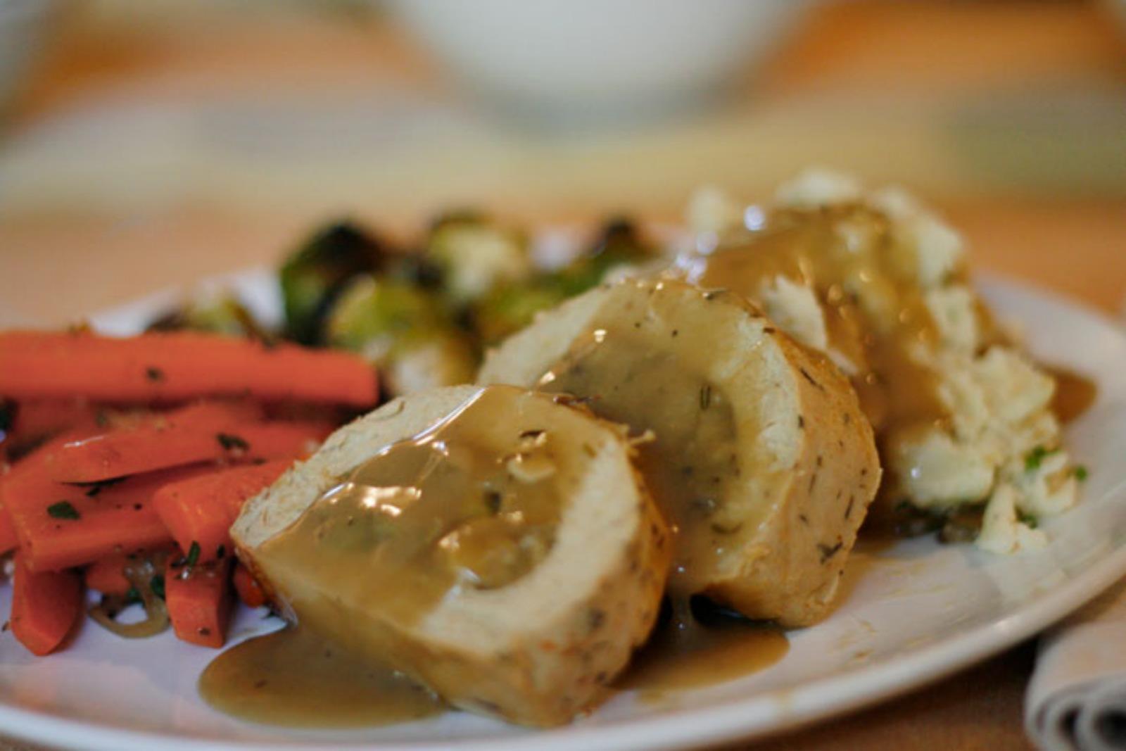 Savory Mushroom Gravy [Vegan]