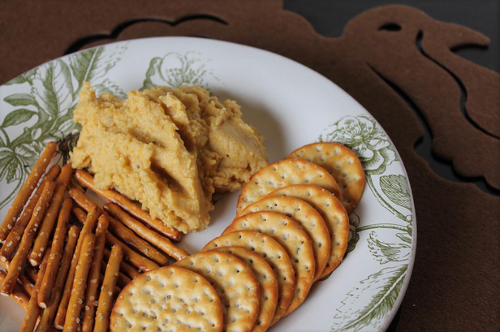 Savory Pumpkin Hummus [Vegan]