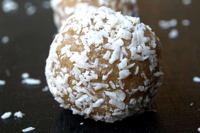 Raw Coconut Lemon Bombs