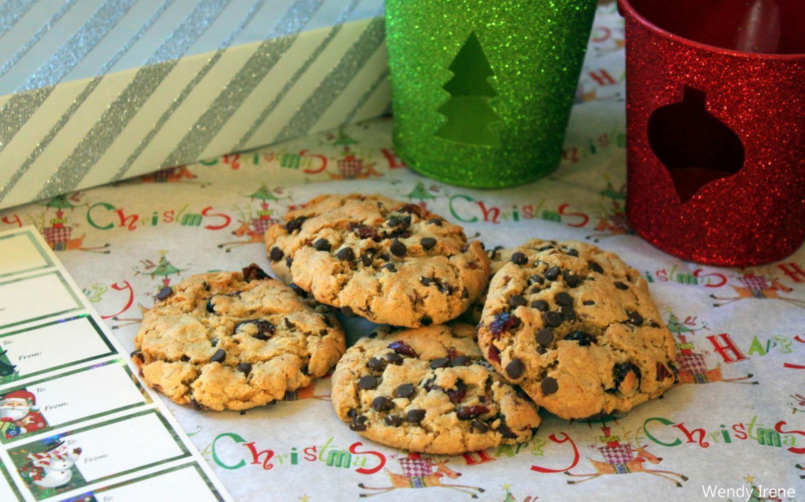 Gluten-Free Oatmeal Cranberry Chocolate Chip Cookies [Vegan]
