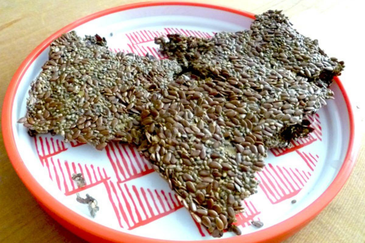 Flax and Chia Seed Crackers [Vegan, Gluten-Free]