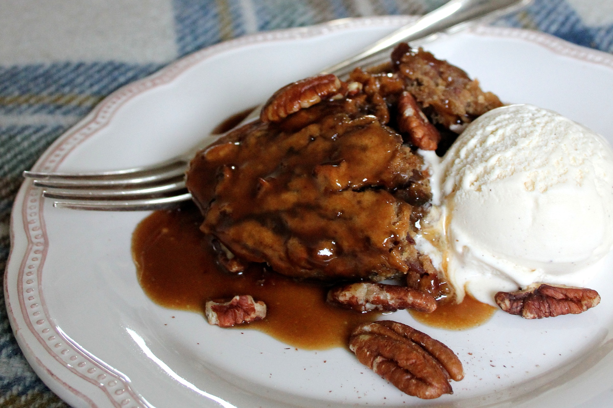 One-Pot Pecan Sticky Toffee Pudding [VEGAN]