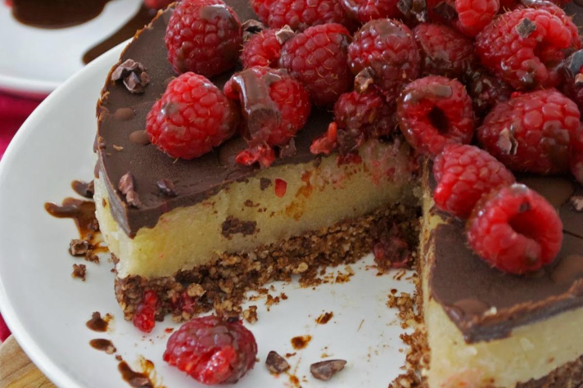 Cacao Raspberry Magic Cake [Vegan, Gluten-Free]