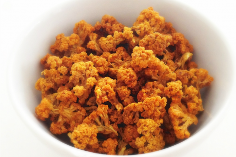 Cheesy dehydrated Cauliflower Popcorn