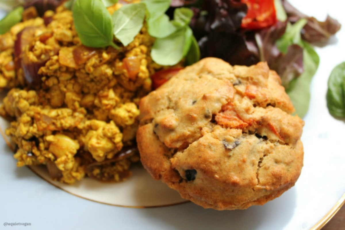 Rosemary, Olive and Tomato Muffins [Vegan]
