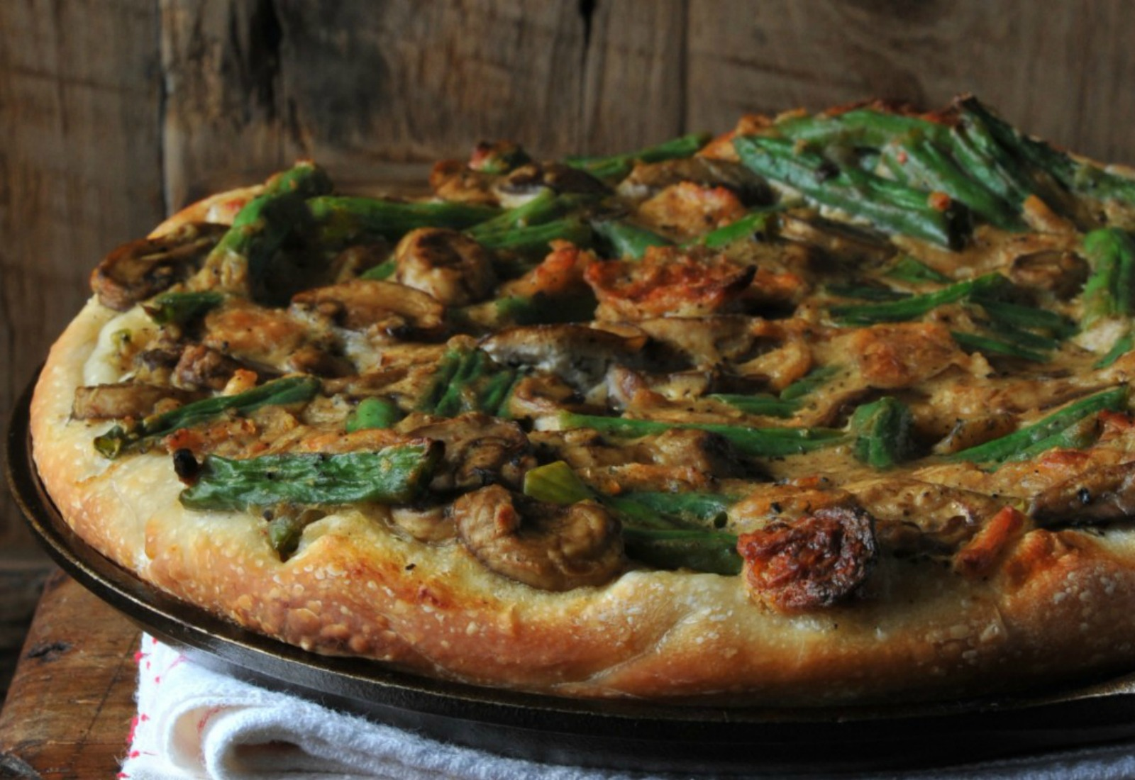 In Honor of National Pizza Week, Here Are 15 Vegan Pizzas For The Ultimate Pizza Party!