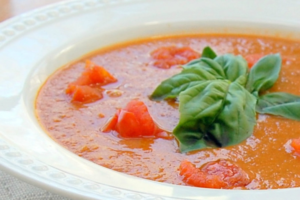 Vegan Cream of Roasted Tomato Soup [Gluten-Free]
