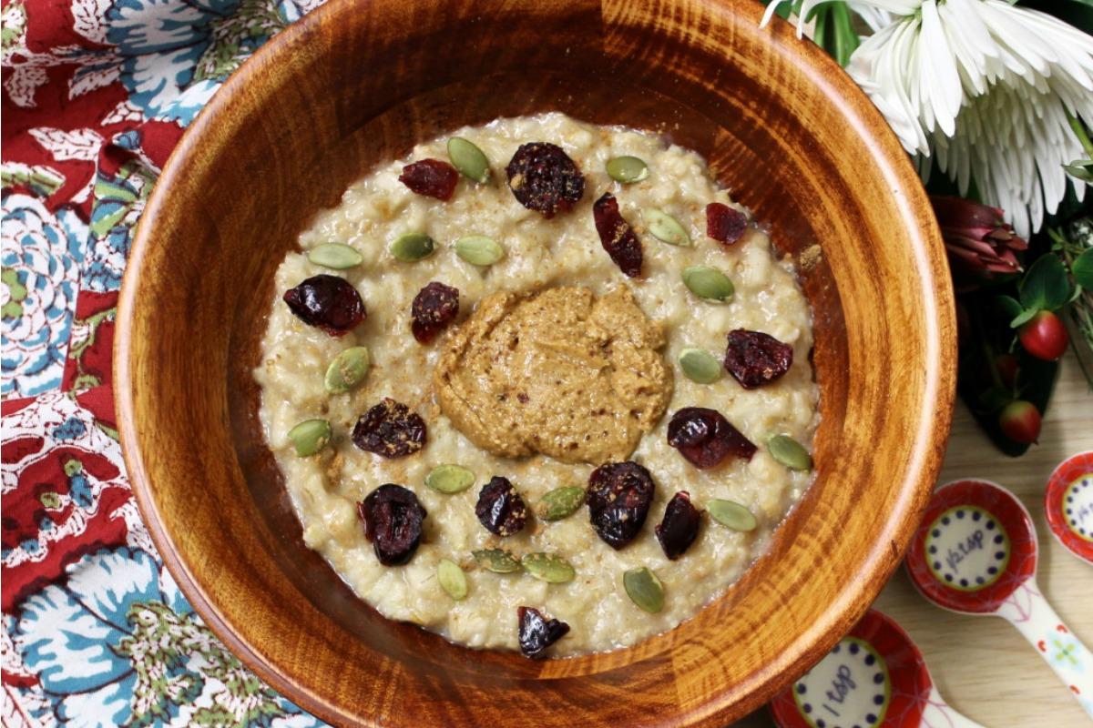Maple Spice Oatmeal Bowl of Goodness [Vegan, Gluten-Free]