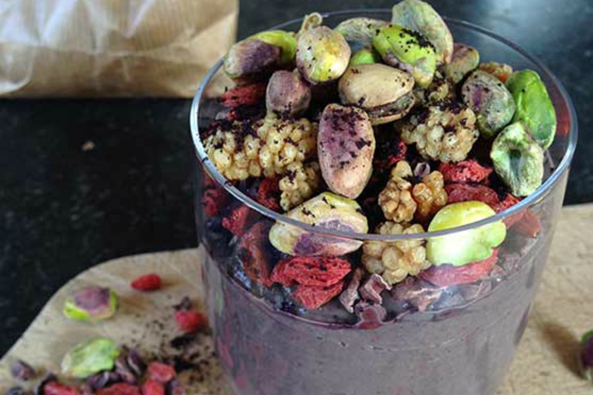 3-Minute Acai Bowl [Vegan, Raw, Gluten-Free]
