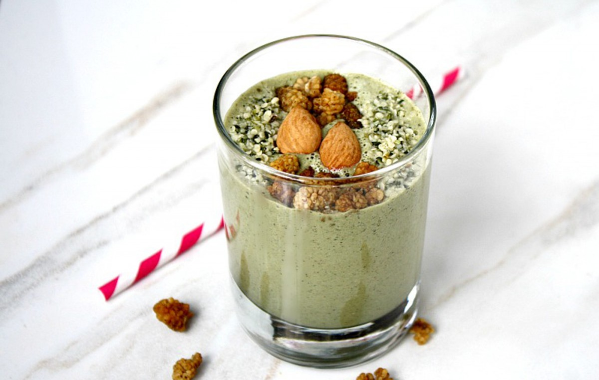 Mango and Hemp Seed Smoothie