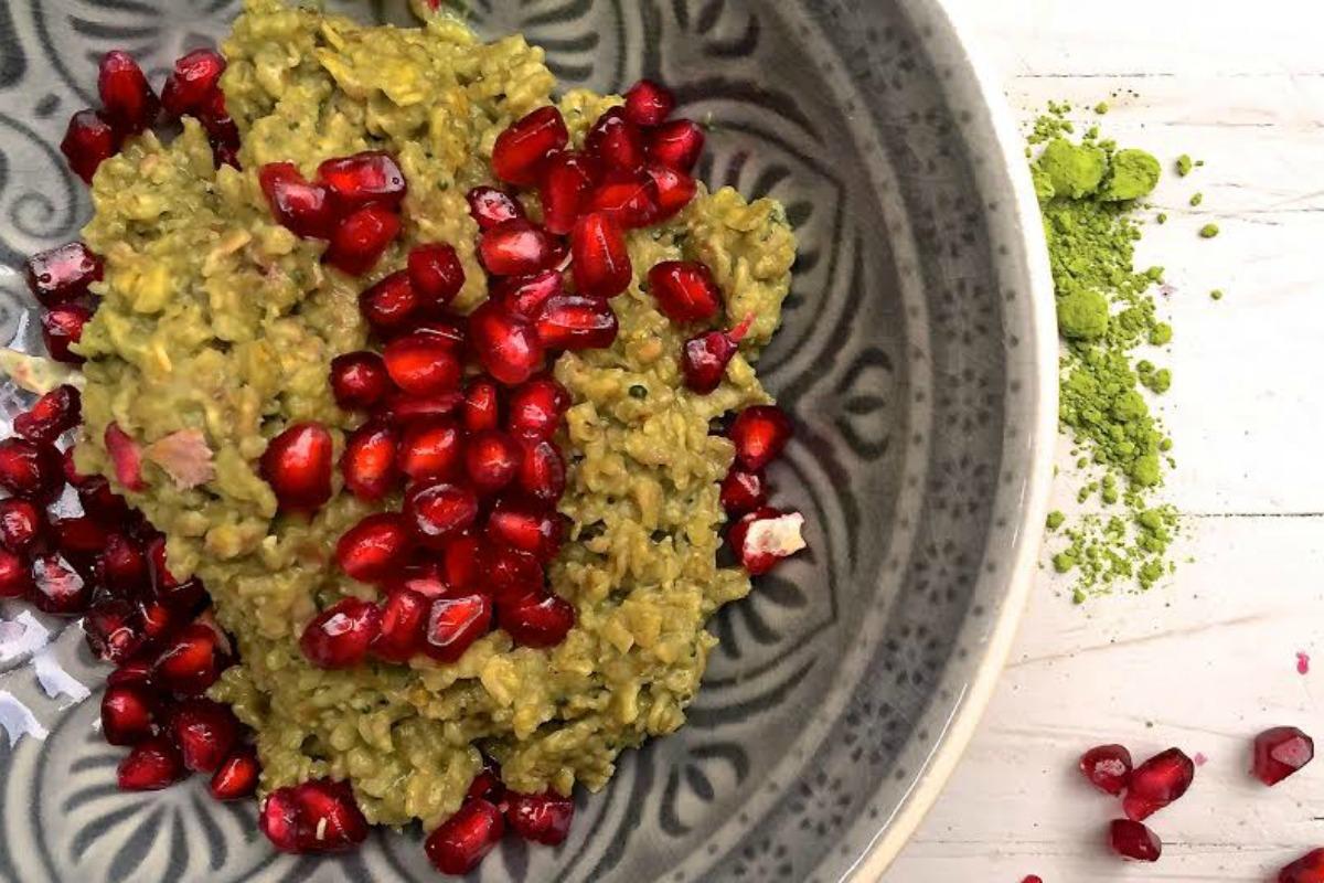 Matcha porridge with pomegranate seeds