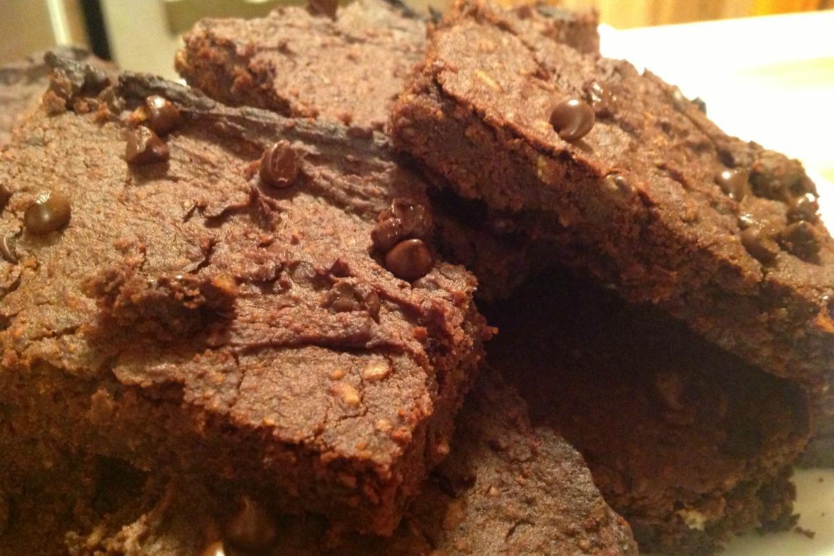 Chocolate Peanut Butter Black Bean Brownies [Vegan]