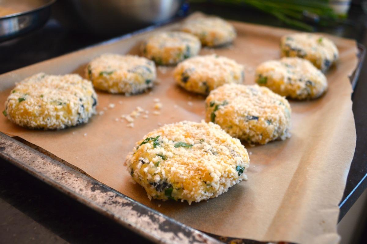 "Vegan Baked ""Fish"" Cakes With Lemon Herb Mayo"