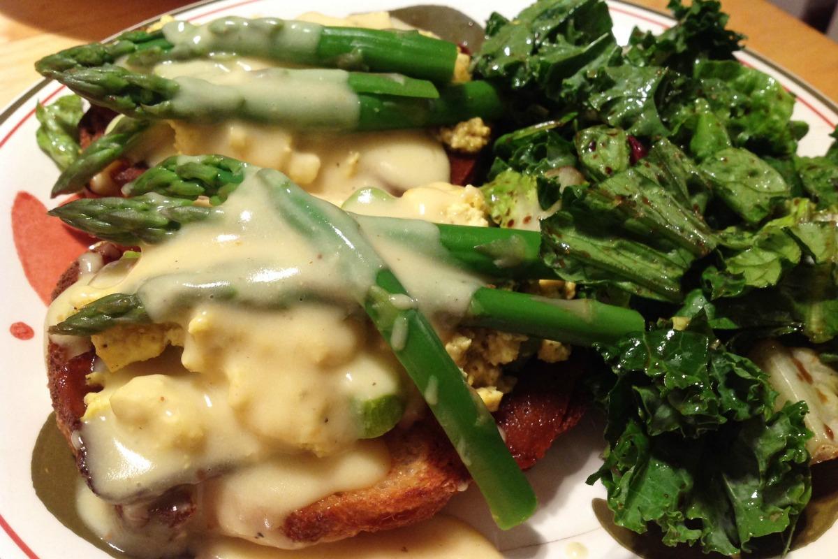 Asparagus Tofu Tartines With Light Hollandaise Sauce [Vegan, Gluten-Free]