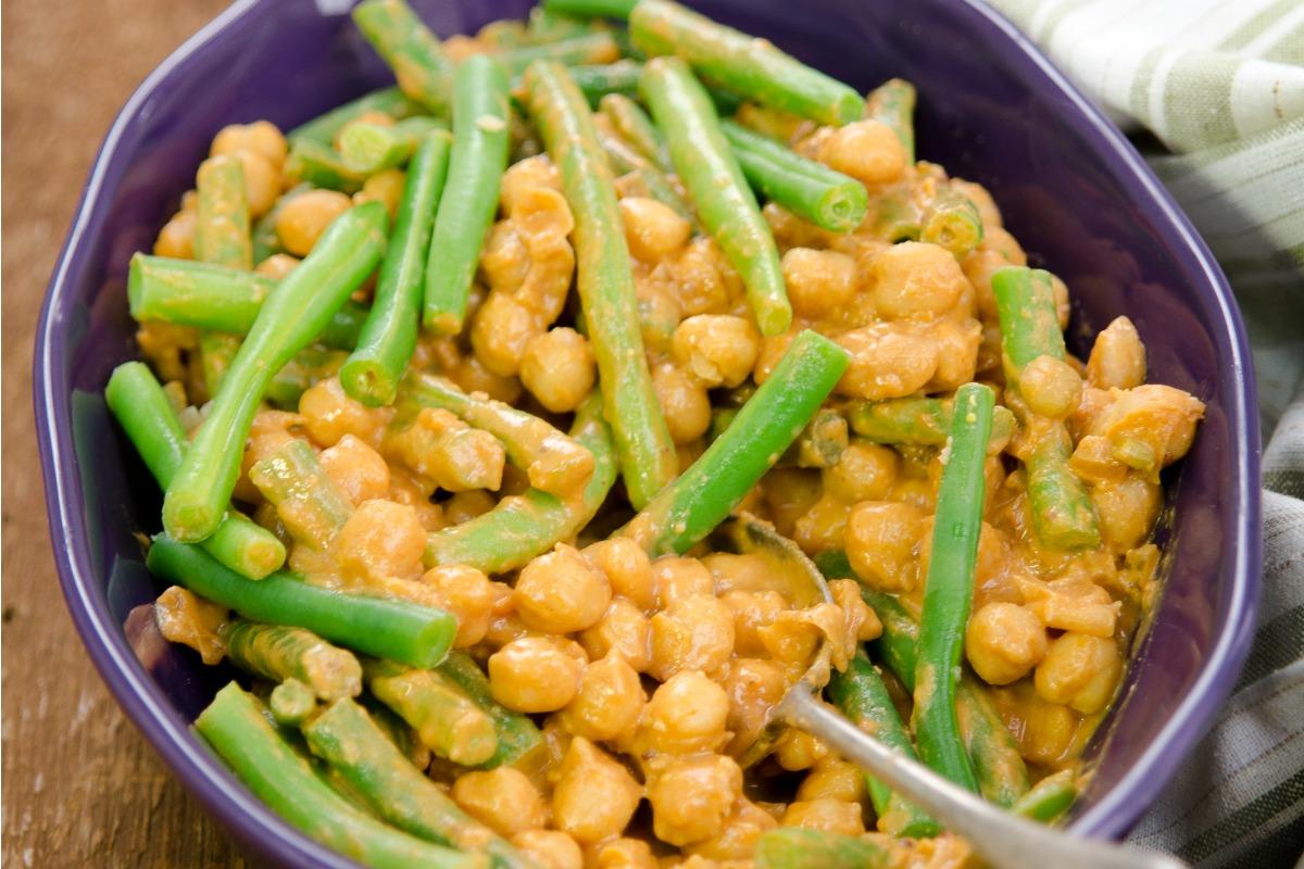 Saucy BBQ Chickpeas and Green Beans [Vegan, Gluten-Free]