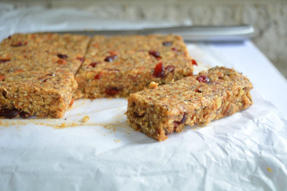 World's Best No-Bake Peanut Butter Energy Bars [Vegan]