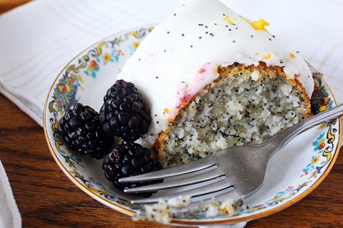 vegan lemon poppy seed cake