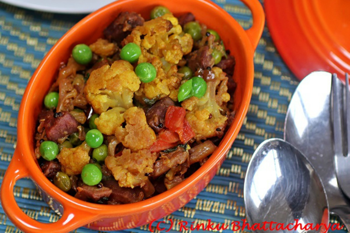Cauliflower With Purple Sweet Potatoes – Ranga Alu Diye Phulkopi [Vegan, Gluten-Free]