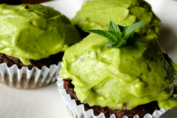 Chocolate Cupcakes With Mint Avocado Icing