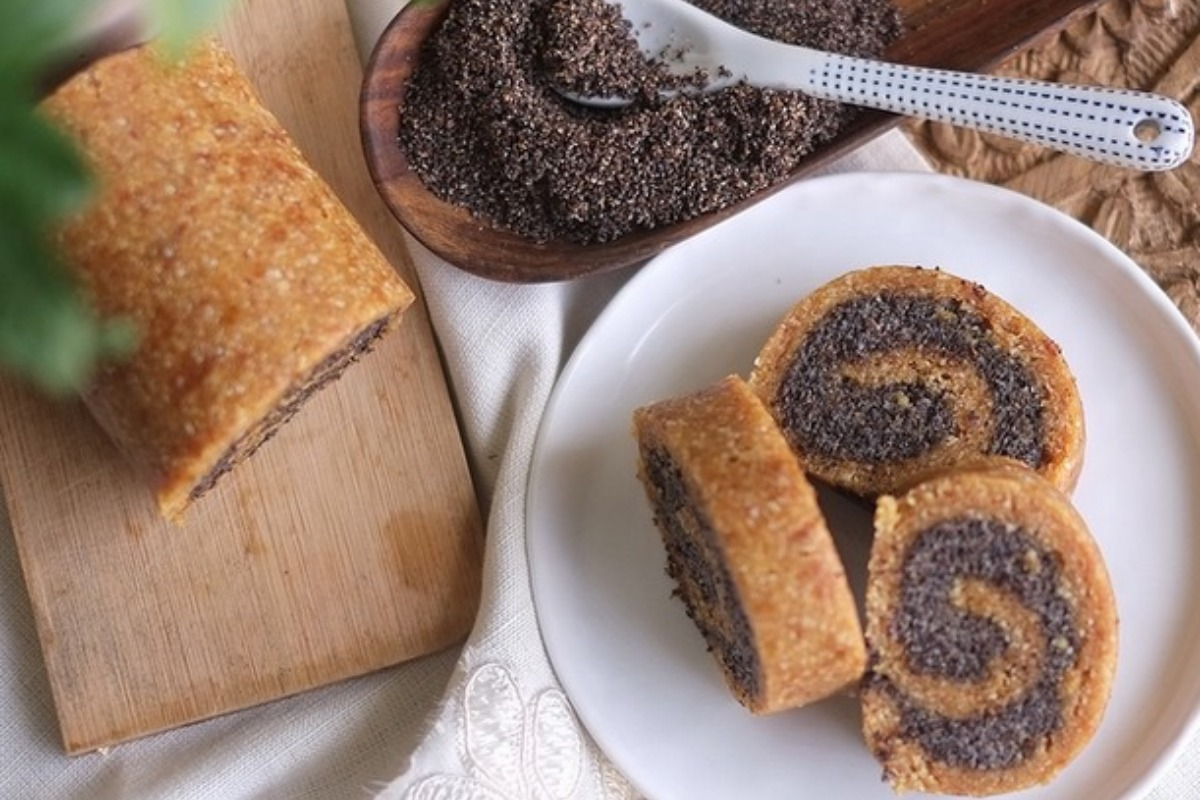 Weekend Brunch Poppy Seed Roll [Vegan]