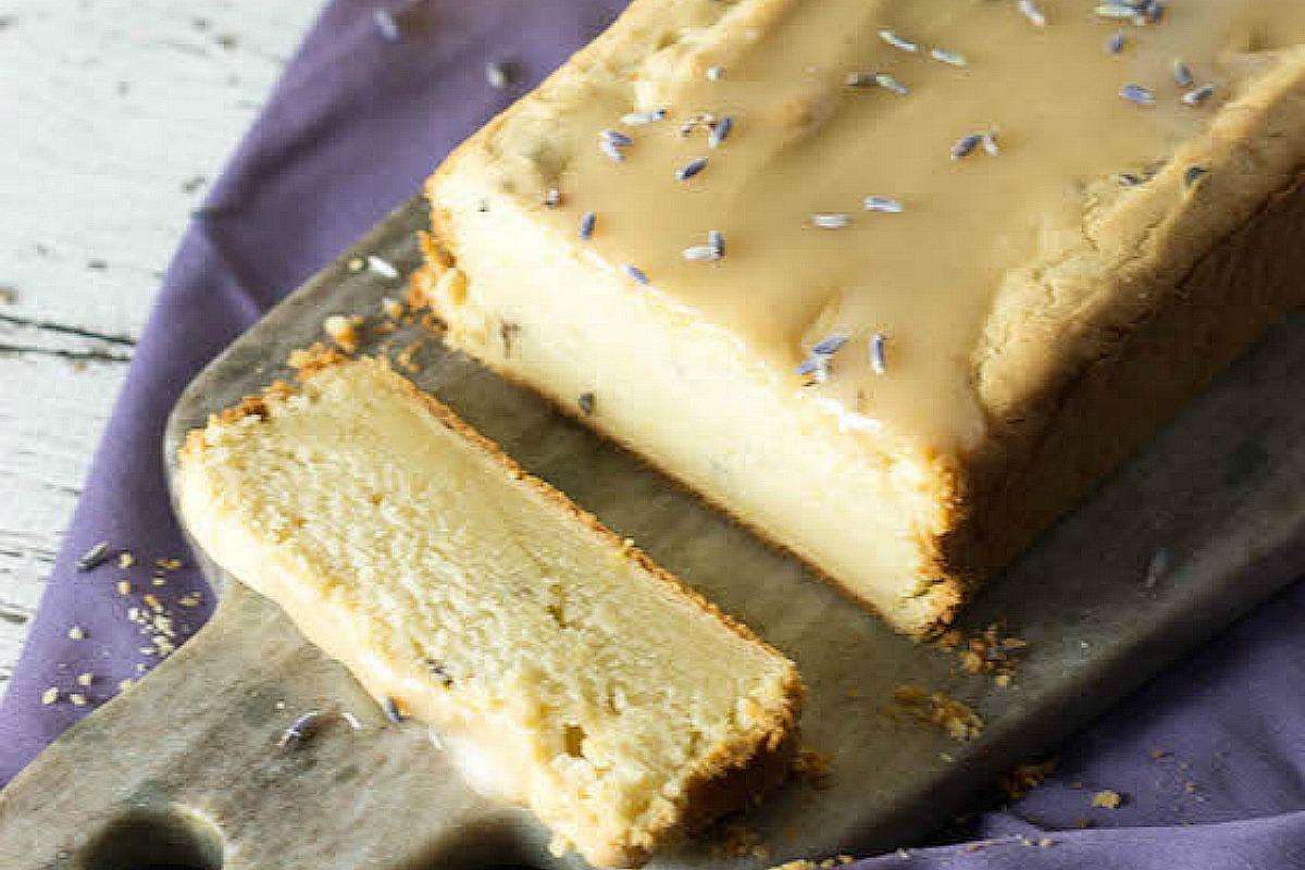 Lemon and Lavender 'Yogurt' Cake