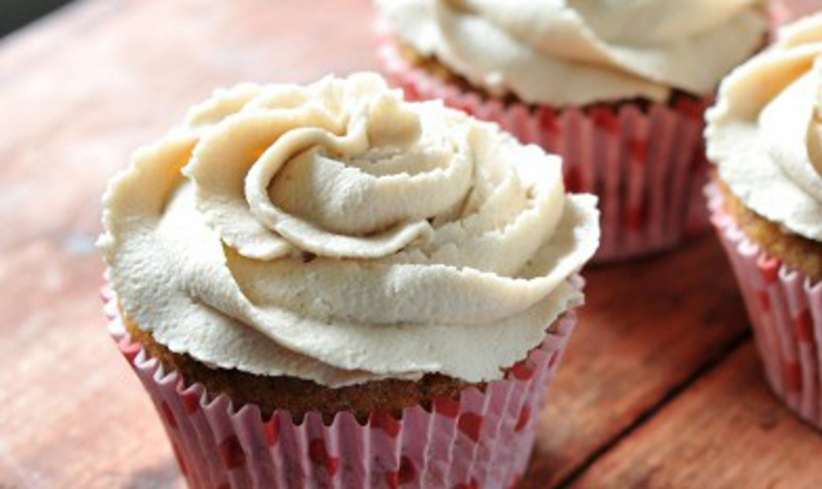 Celebrate Cupcake Lovers Day With These 10 Amazing Vegan Cupcakes!