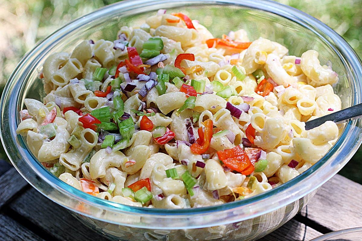 Simple Vegan Macaroni Salad
