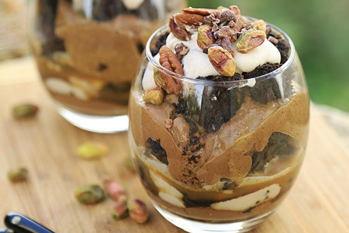 Chocolate Brownie and Peanut Butter Parfait [Vegan, Raw, Gluten-Free]