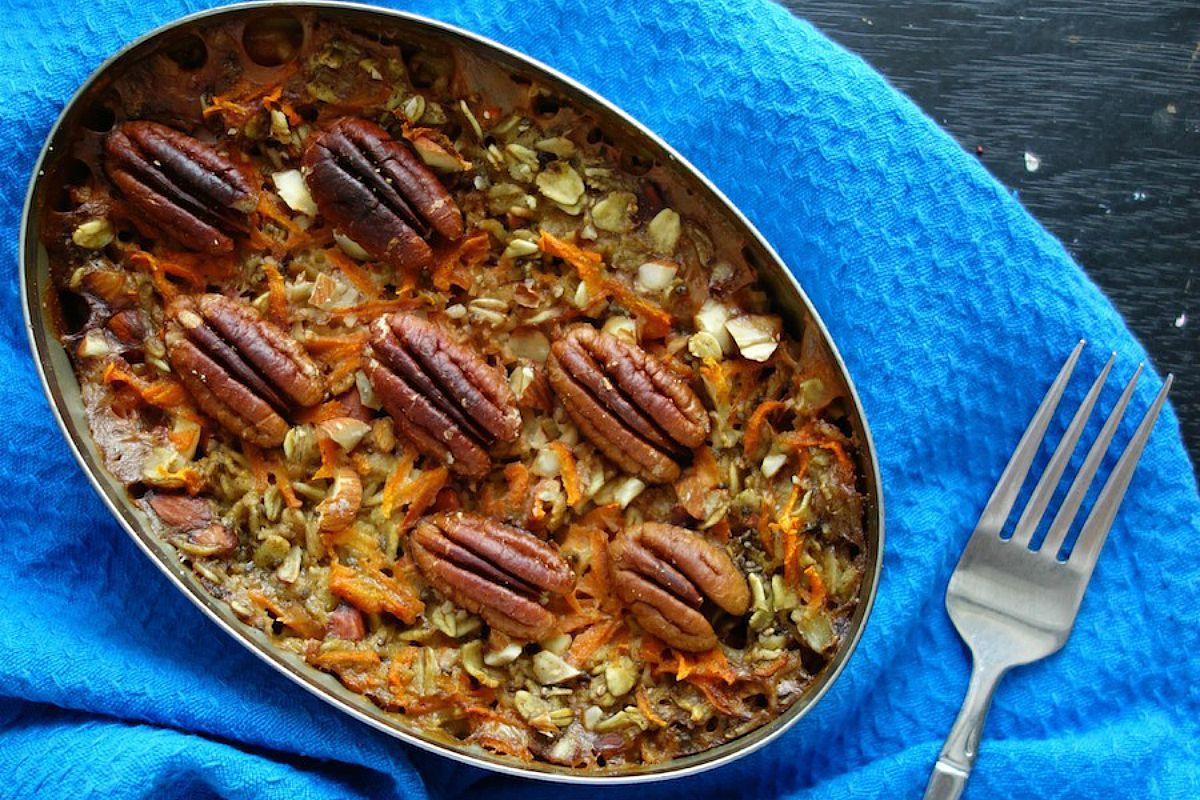 Carrot Cake Oat Bake [Vegan, Gluten-Free]