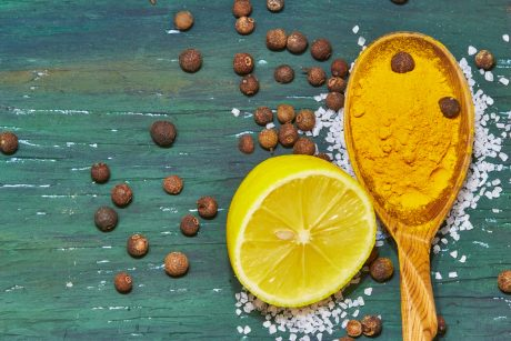 How to Use Ginger, Turmeric, and Lemon to Care for the Body Naturally