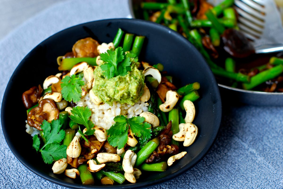 Shiitake Asparagus Stir-Fry With Toasted Cashews and Wasabi Avocado Cream [Vegan, Gluten-Free]