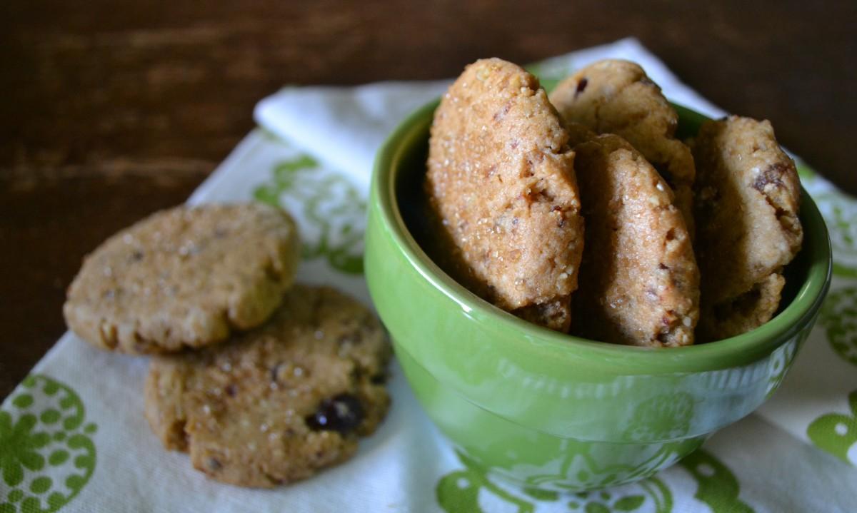 Tahini-Orange-Date Crumble Cookies