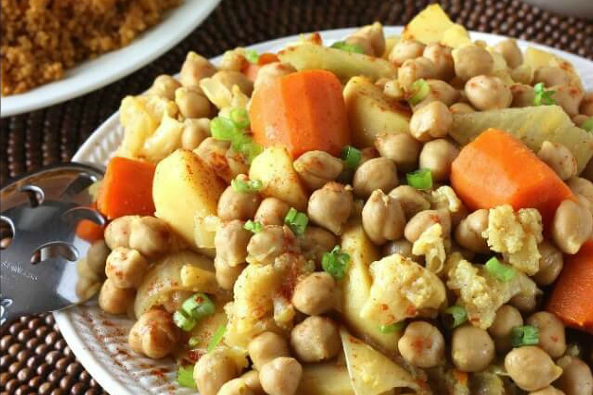 Slow Cooker North African Couscous [Vegan]
