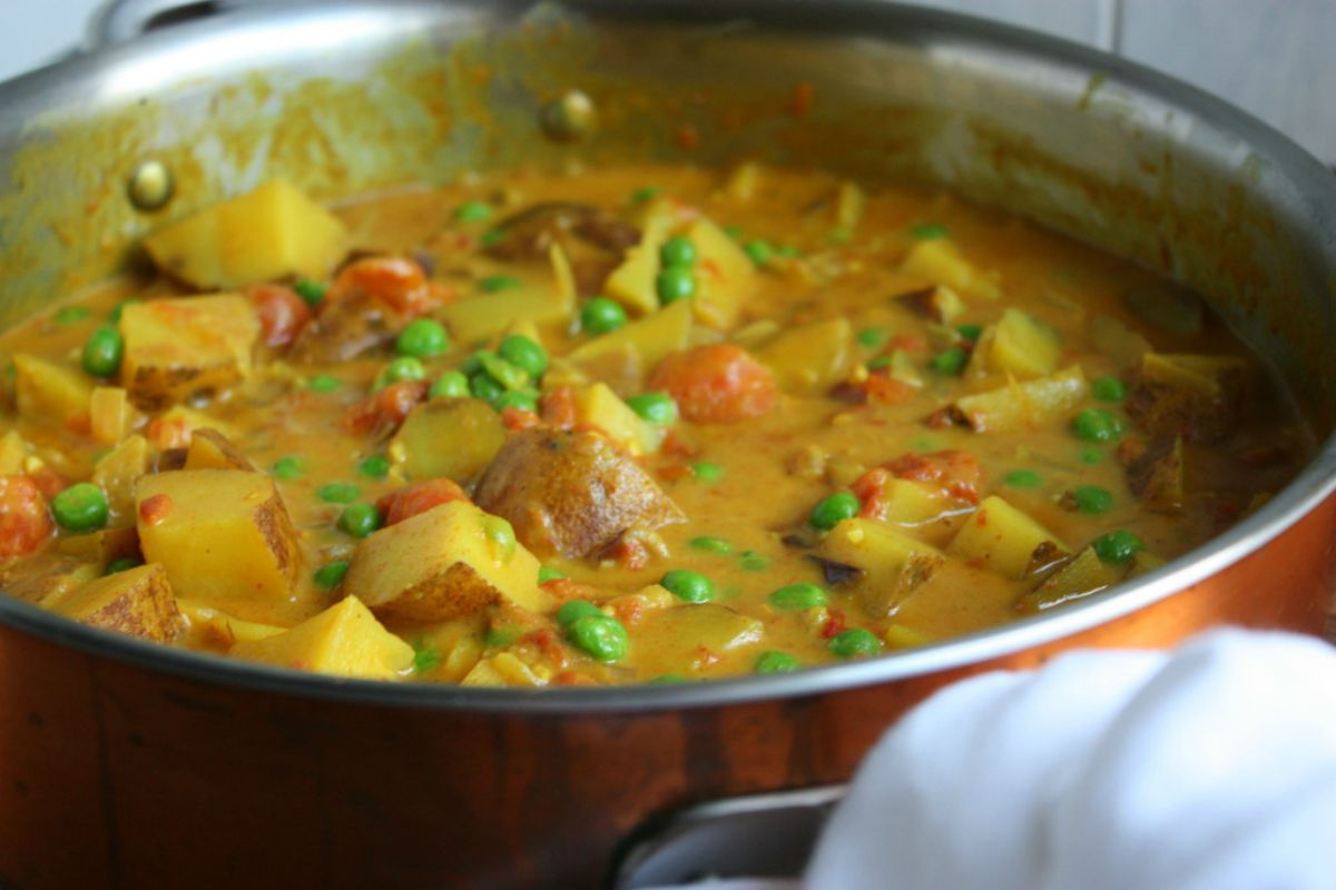 Vegan Super Simple Potato Curry