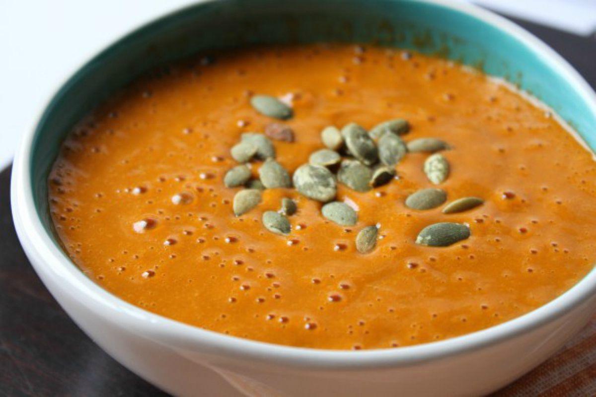 Carrot Avocado Ginger Soup [Vegan, Raw, Gluten-Free]